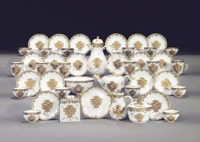 Contributo per acquisto servizio porcellana Meissen